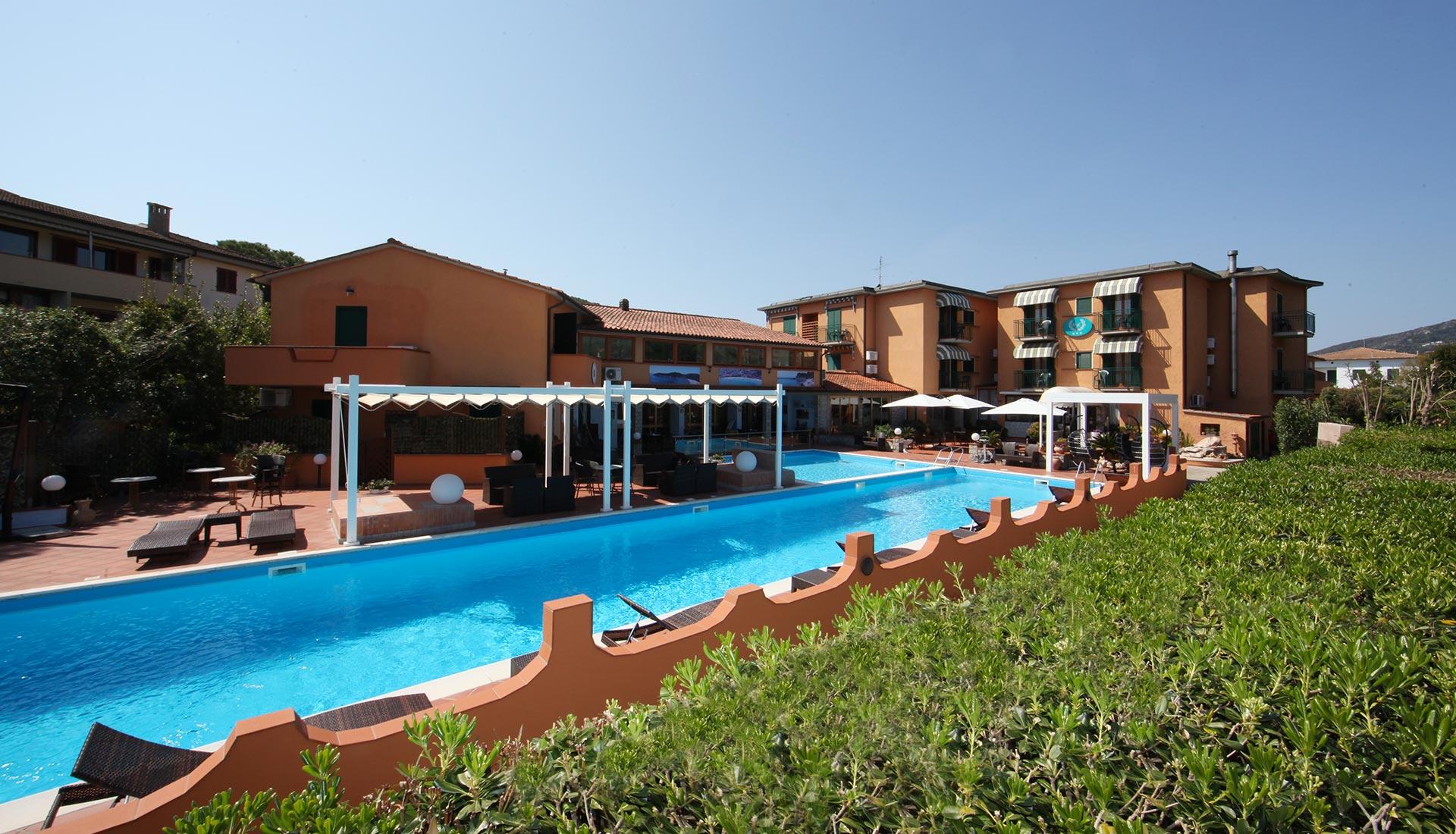 Hotel con piscina Marina di Campo